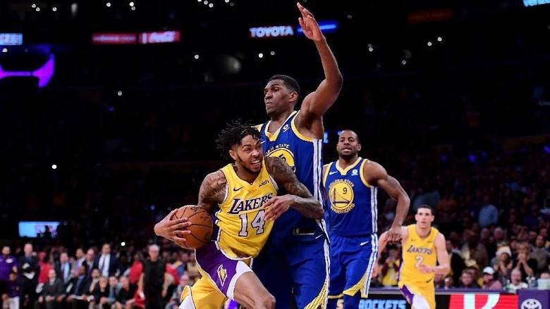Warriors Susah Payah Kalahkan Lakers lewat Overtime