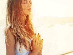 8 Trik Wajah Tetap Segar untuk Kamu yang Suka Begadang dan Susah Bangun Pagi