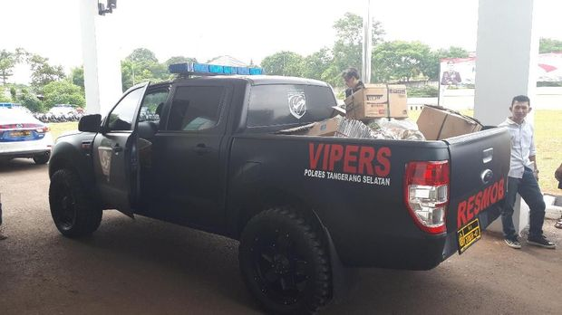 Bahan peledak itu ditemukan di Tempat Pembuangan Sampah di Pagedangan, Kabupaten Tangerang.