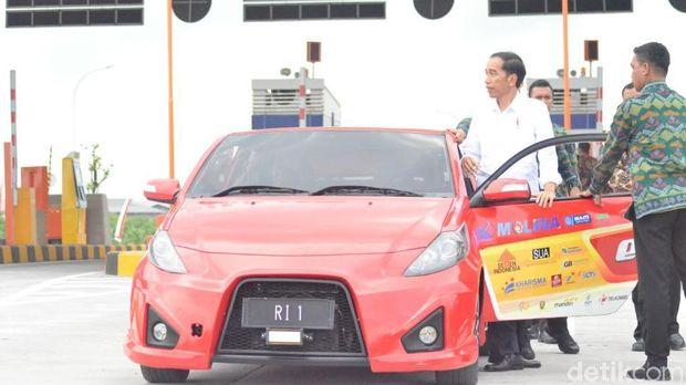 Jokowi: Mobil Listrik Tidak Akan Kita Diamkan.