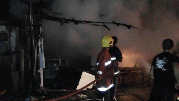 Toko Kue Bolu di Tangerang Terbakar, Tak Ada Korban Jiwa