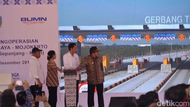 Jokowi Resmikan Tol Sumo.