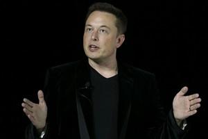 Pendiri Apple Tak Percaya Omongan Elon Musk, Kenapa?