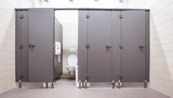 Dear Siswa, Ini Tips Dokter Agar Terhindar dari COVID-19 di Toilet Sekolah