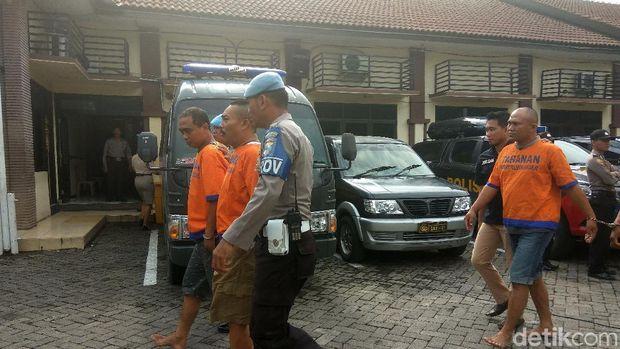 Polisi Sidoarjo Tangkap 4 Anggota LSM Pendemo PT Sekar Group