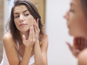 Ini Bahayanya Gunakan Odol untuk Jerawat di Wajah
