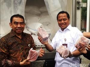 Bulog Gelar Operasi Pasar Daging Sapi dan Kerbau