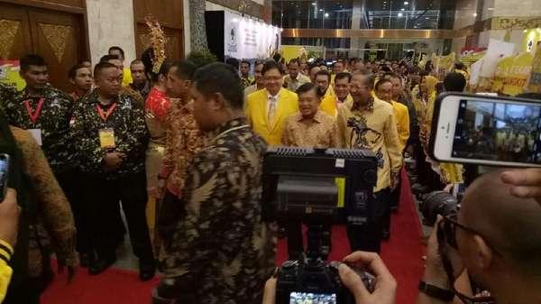 Bersama Airlangga, Wapres JK Hadiri Penutupan Munaslub Golkar