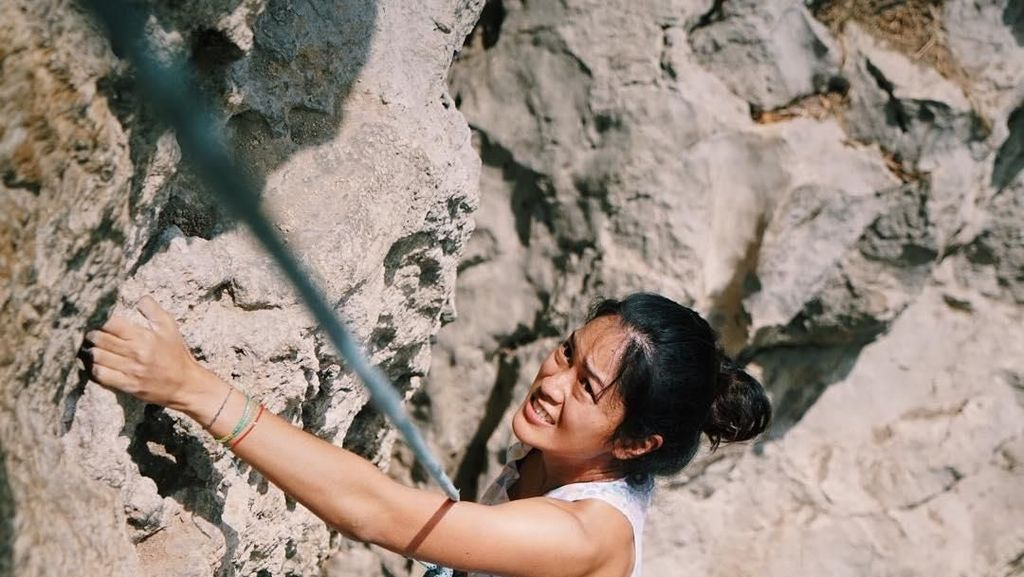 Prisia Nasution, Si Cantik yang Bugar dan Hobi Manjat