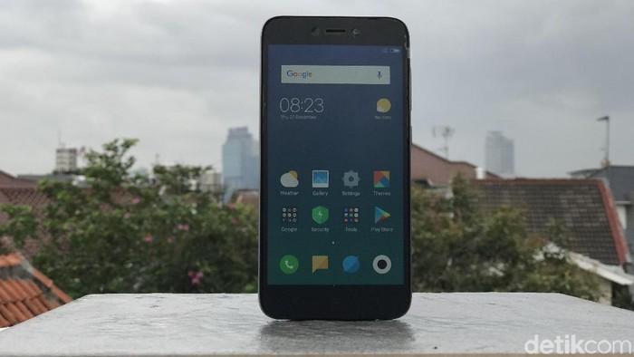 Redmi 5A, ponsel yang dibilang Xiaomi sempurna. Foto: Adi Fida Rahman/detikINET