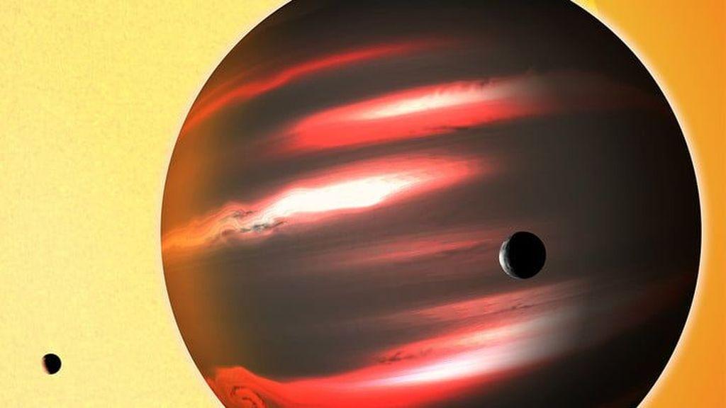 Berikut adalah deretan exoplanet, atau planet-planet lain, yang mungkin bisa ditempati manusia untuk kehidupan berikutnya. Dari foto-fotonya, semuanya bulat. Termasuk planet TrES-2b seperti foto di atas. Planet ini merupakan gumpalan gas berwarna hitam pekat. Foto: Digitaltrends