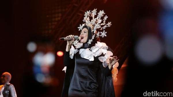 Dewi Sandra jadi Dewi di Konser Ayat Ayat Cinta