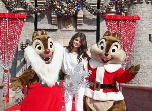 Ini Makanan yang Disantap Jennifer Lopez hingga Selena Gomez Saat Natal!