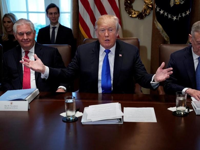 Dihujani Kritik, Trump Bantah Sebut Imigran dari Lubang Kotoran