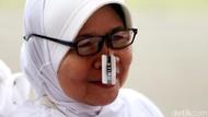 Potret Gembira Lansia Terima 500 Kacamata Gratis dari Pemprov DKI