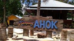 Ahok Belum Tampak di Rumah Belitung, Warga Pilih Swafoto
