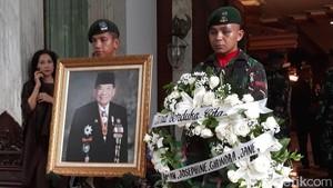 MS Hidayat dan Ciputra Kenang Sukamdani Sahid