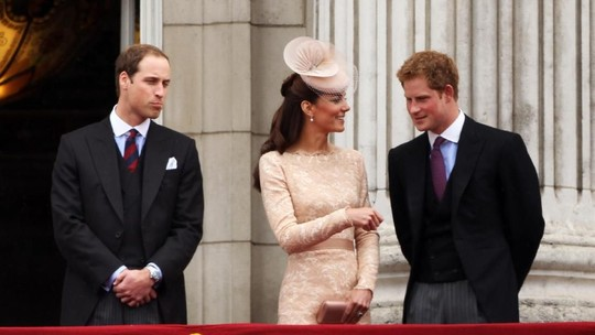 Kemesraan Pangeran Harry, William dan Kate Middleton