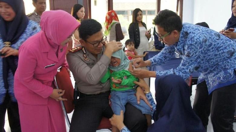 Polres Blitar Kota Gelar Imunisasi Difteri di Hari Ibu