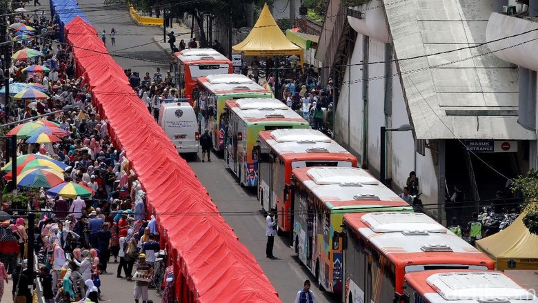 Pemprov DKI Akui Ada Pedagang Kios Serobot Tenda PKL di Tanah Abang