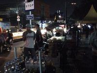 Jalan Sudah Dibuka Lagi, Begini Suasana PKL di Trotoar Tanah Abang
