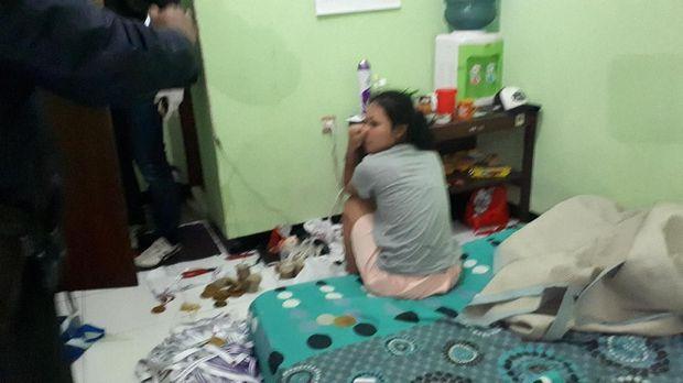 Razia Permukiman Warga, Polisi Amankan Pedagang Obat-Penghuni Kos
