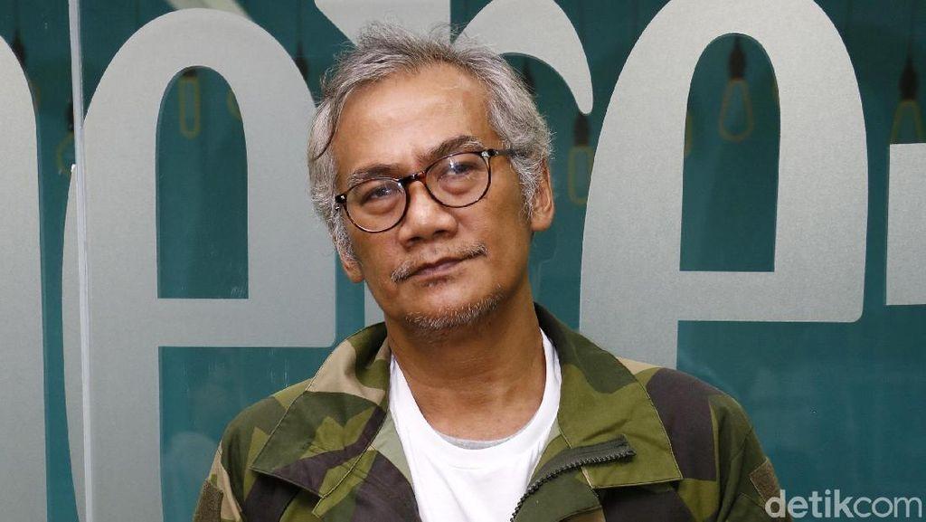 Tio Pakusadewo Ceritakan Ditangkap Polisi & Tergiur Beli Sabu Murah