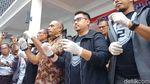 Ekspresi Dingin Tio Pakusadewo Jadi Tersangka Kasus Narkoba