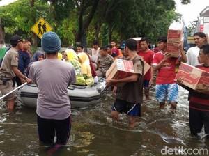 Sepekan Banjir di 5 Desa, Warga Pasuruan Hanya Dapat Mi Instan