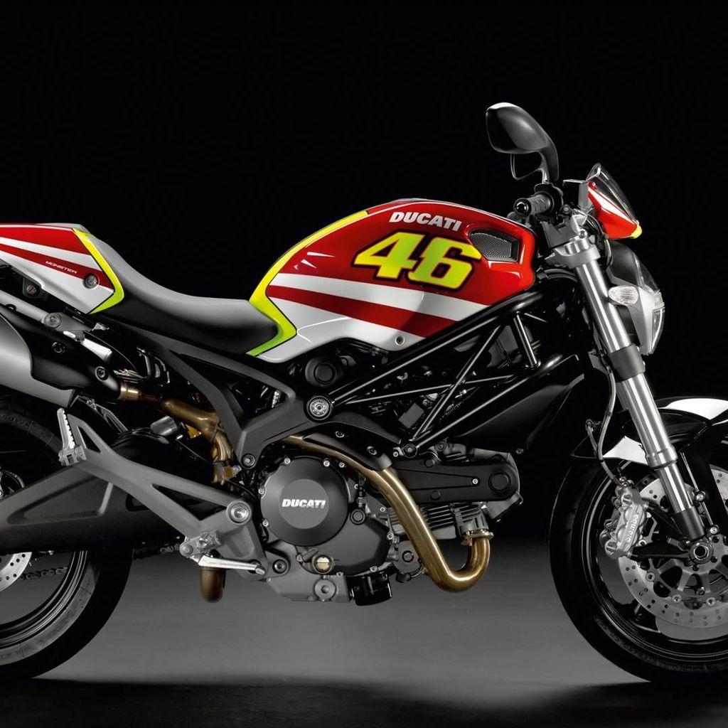Bukan Cokelat atau Bunga, Rossi Pernah Hadiahi Ibunya Ducati Monster