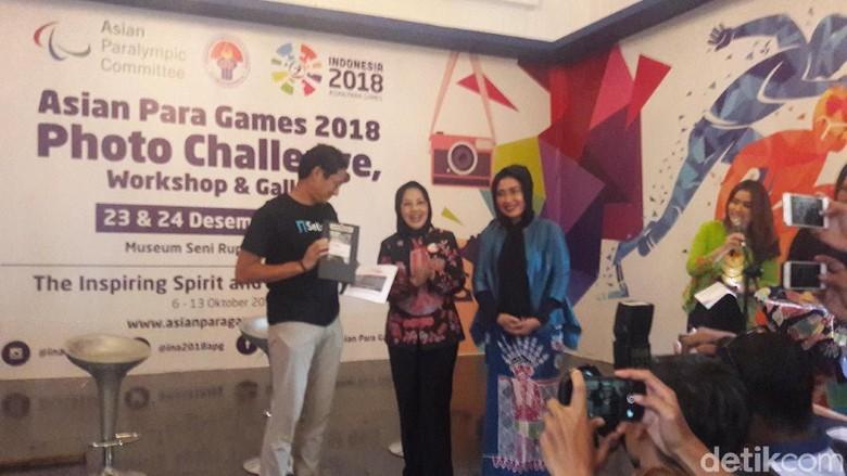 Hadir di Lomba Foto Asian Para Games, Sandiaga Dipuji Sylviana
