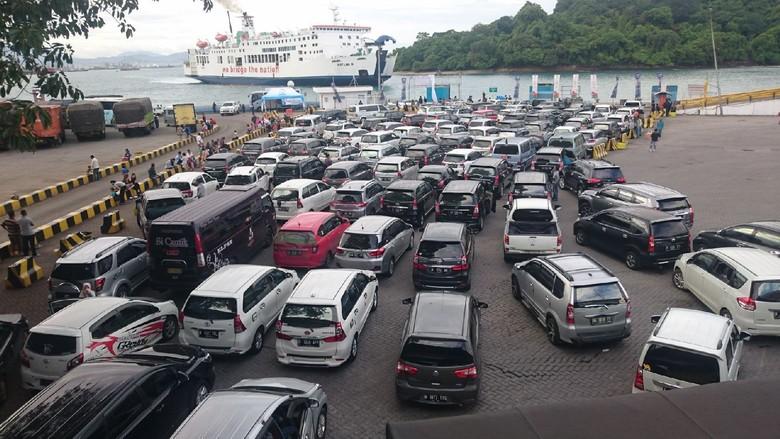 H-2 Lebaran, 81 Ribu Orang Mudik ke Sumatera Via Merak
