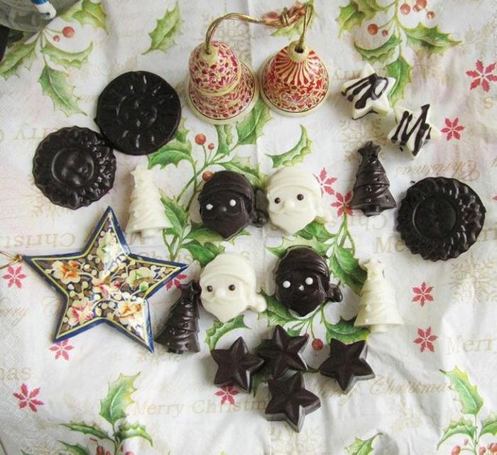 Cokelat yang satu ini bukan hanya lezat tapi terlihat cantik. Selain bisa jadi suguhan spesial di rumah, cokelat ini juga cocok jadi bingkisan Natal yang spesial. Foto: Instagram