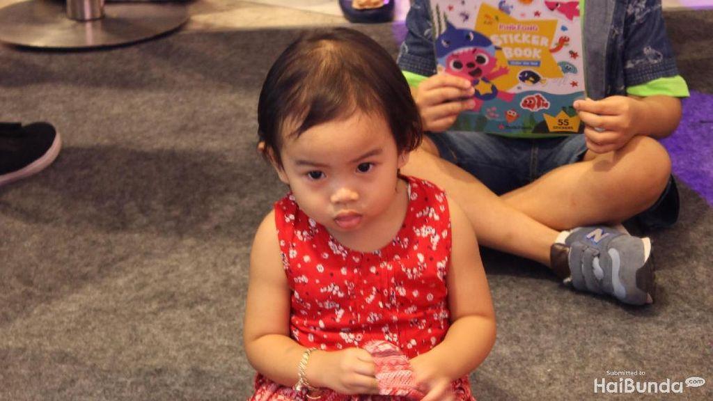 Lucu Nih, Ekspresi Anak-anak Saat Ketemu Pinkfong dan Baby Shark