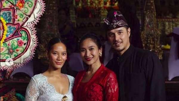 Ayu Tenan! Tara Basro dengan Kebaya Bali