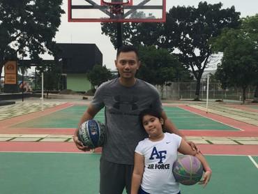 Olahraga bareng anak biar sama-sama sehat. (Foto: Instagram/agusyudhoyono)