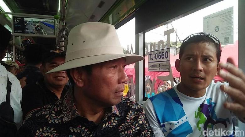 Saat Sandiaga-Lulung Jajal Bus Tanah Abang Explorer