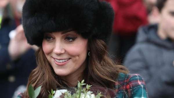 Hamil Anak Ketiga, Kate Middleton Tetap Mempesona
