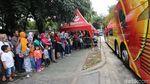 Foto: Antrean Mengular Warga DKI Ingin Naik Bus Tingkat Wisata