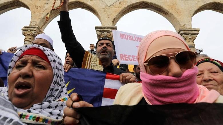Demonstran Palestina Bentrok dengan Tentara Israel, 176 Orang Luka