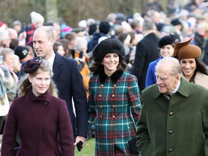 Ada Perbedaan Antara Kate Middleton & Meghan Markle Saat Difoto, Ini Artinya