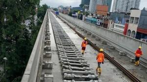 Proyek Layang Disetop Sementara, LRT Jakarta Diperkirakan Molor