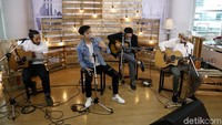 Uki berhasil mewujudkan mimpinya untuk menjadi musisi sukses dengan sahabat-sahabatnya itu.Asep Syaifullah/detikHOT.