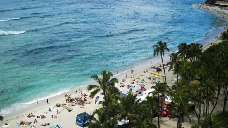 Mitos Pantai Waikiki Hawaii Dibuat Dari Pasir Australia, Benarkah?