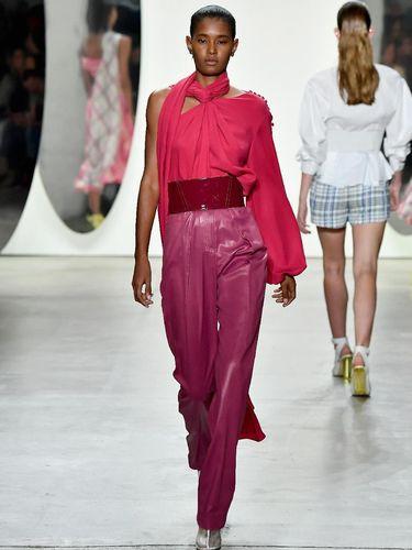 Fashion People Perlu Tahu 5 Warna yang Bakal Tren di 2018