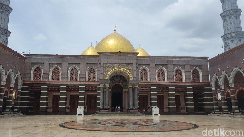 Potret Keindahan Masjid Kubah Emas Peninggalan Dian Al Mahri