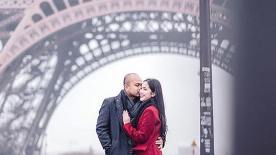 Potret Honeymoon Afif Kalla & Tistha Nurma di Paris
