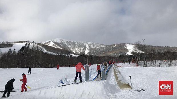 Pengalaman Pertama Kali Bermain Ski