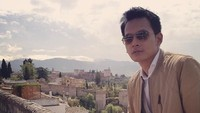 Foto: Pekerjaannya sebagai aktor mengantarkan Fedi Nuril hingga ke Granada, Spanyol. Salah satu wilayah di Eropa yang terpengaruh kebudayaan Islam di masa lalu. (Instagram/Fedi Nuril)