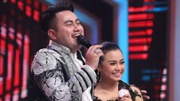Nassar sempat menyatakan perasaannya kepada Aulia di dalam sebuah acara dangdut. (Dok. Instagram/da4_aulia)